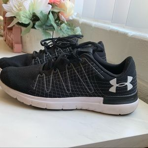 Under Armor size 9 women's running shoes